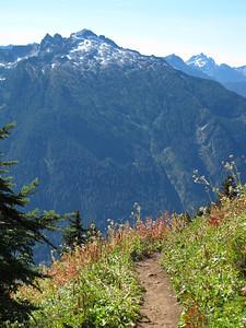 Lost Creek Ridge/Round Lake